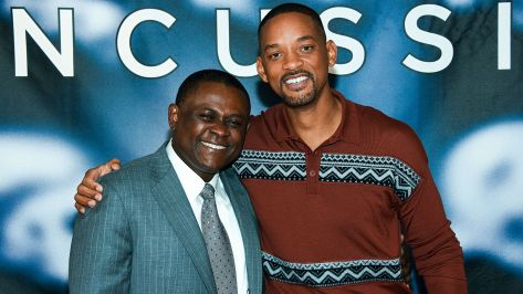 dr-bennet-omalu-and-will-smith_1gzpw2vnc4yvl12zgcmg88qh1x 3